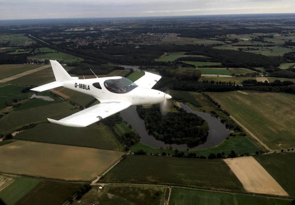 UL-Rundflug über der Niederlande
